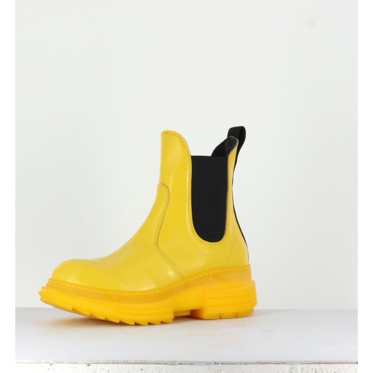 Bottines à semelle épaisse en cuir jaune Beyond shoes - NETTIE