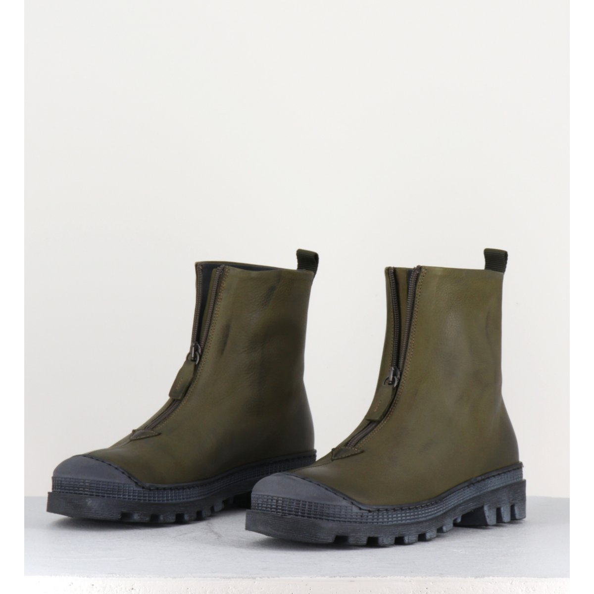 Boots en cuir gras kaki avec zip central - I6-967 KAKI