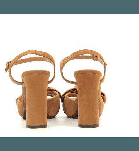 Sandales avec patin en veau velours camel CACTUS - Chie Mihara