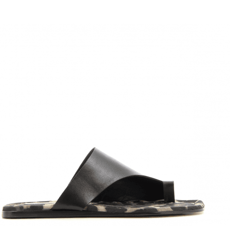 Sandales plates en cuir noir D638006- AGL
